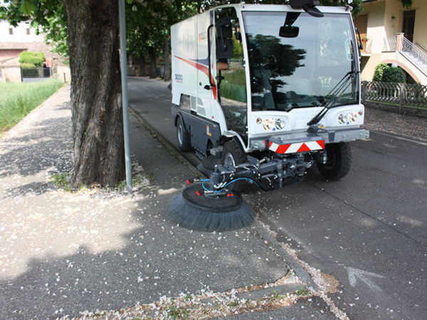 Dulevo 300 Street Sweeper Around Tree