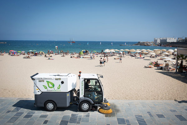 Dulevo D.Zero2 Electric Street Sweeper at the beach