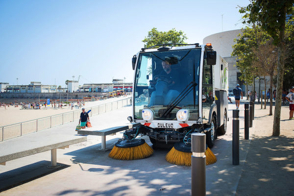Dulevo D.Zero2 Electric Street Sweeper sidewalk sweeping
