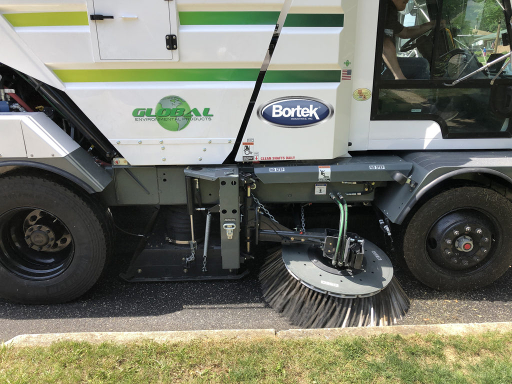 Global R4 Regenerative Air Street Sweeper Broom & Vacuum