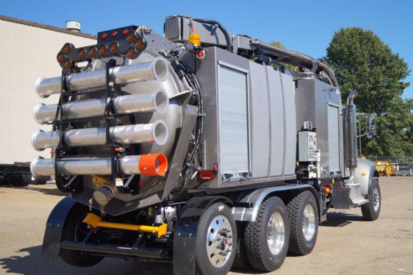 X-Vac X-8 Hydro Excavator Truck